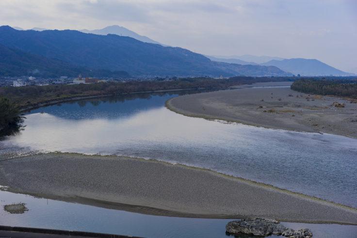 川島神社展望台からの吉野川