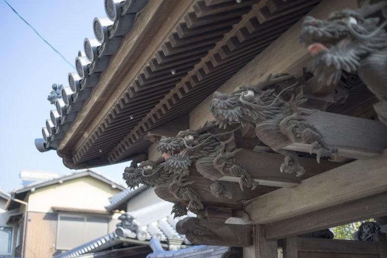 世尊院圓通寺の門