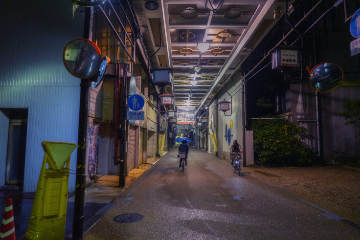坂出市のアーケード商店街4