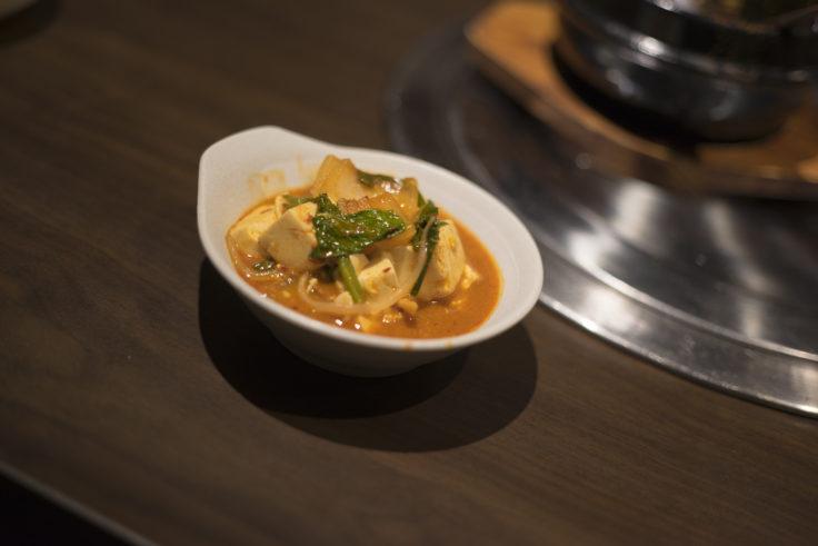 韓国料理双六の豆腐チゲつぎ分け