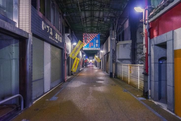 坂出市のアーケード商店街5