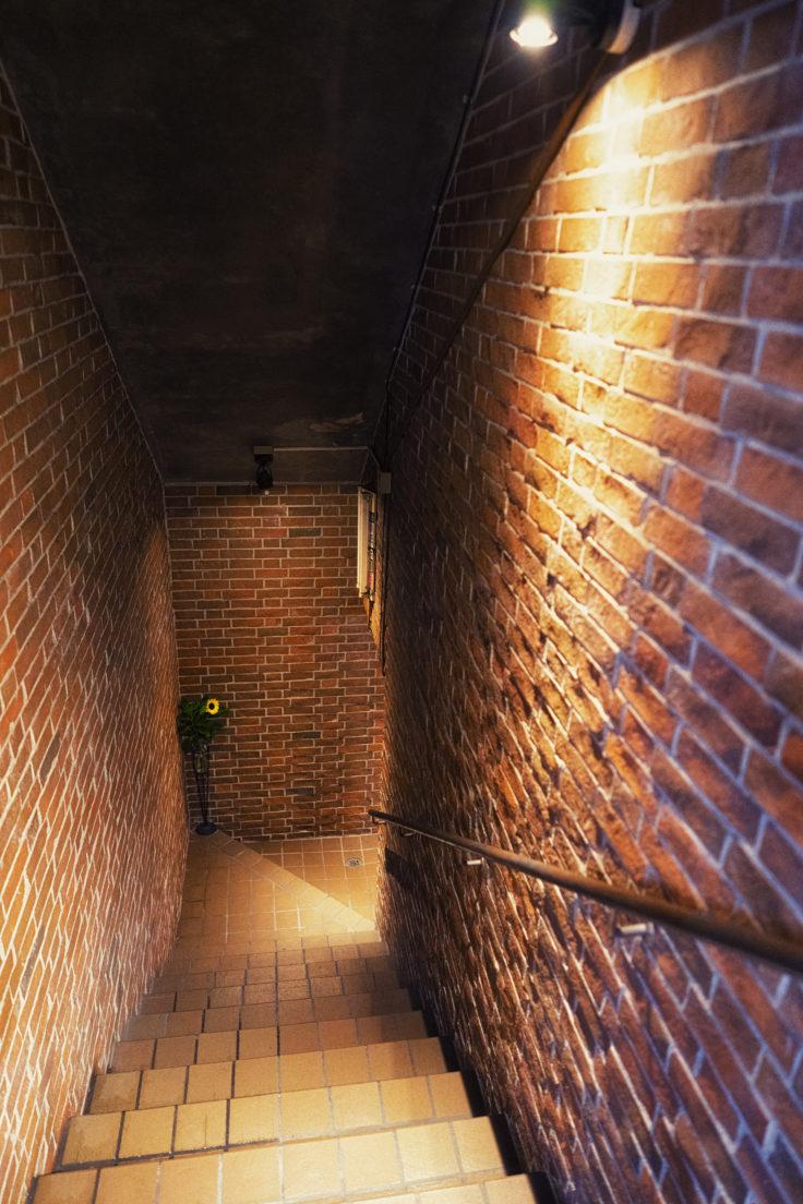 レンガの階段