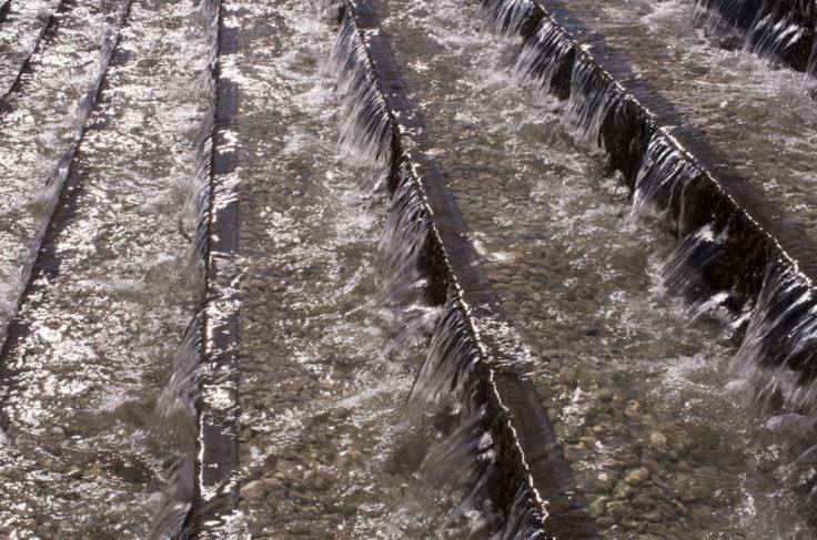 淡路夢舞台階段の水