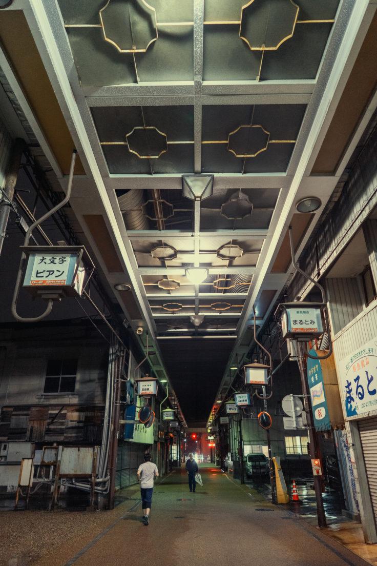 坂出市のアーケード商店街