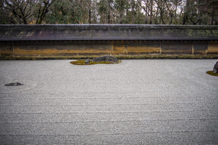 龍安寺の小太郎、清太郎の石