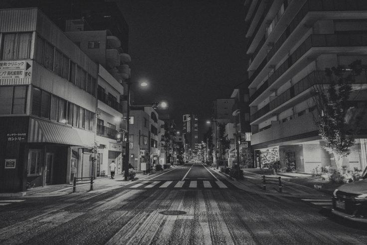 夜のモノクロスナップ