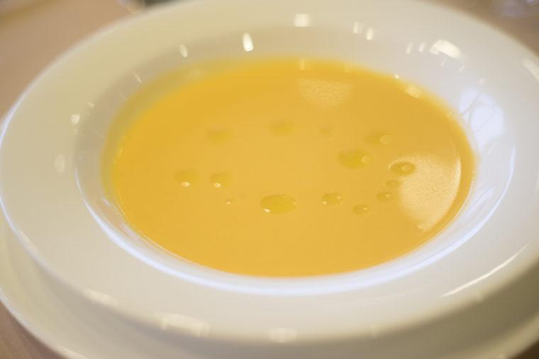 王様トマトのポタージュスープオレガノ風味