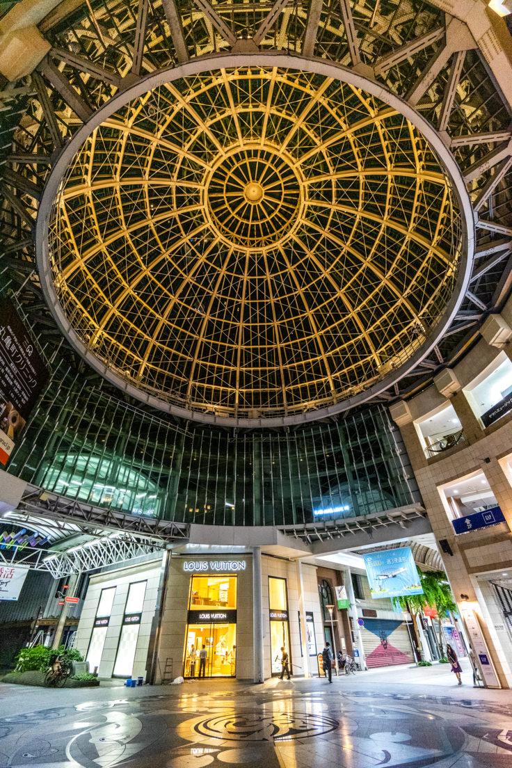 高松中央商店街ドームとヴィトン