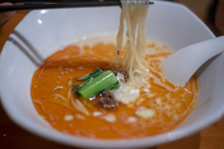 チャイナキッチン弘の担々麺リフトアップ