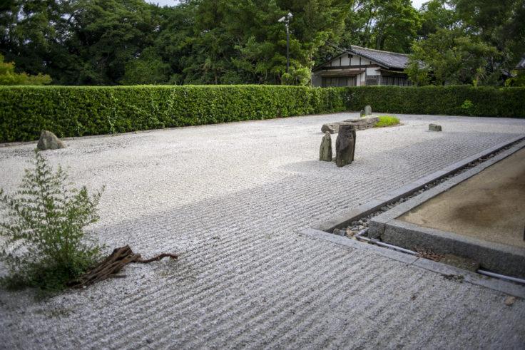 志度寺枯山水庭園
