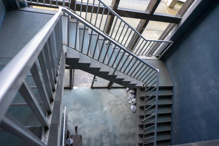 高松市東部下水処理場階段