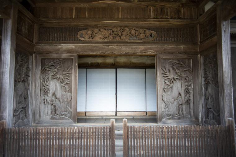 箸蔵寺本坊の彫刻2