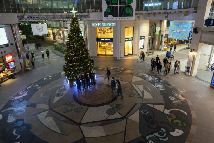 高松中央商店街のクリスマスツリー