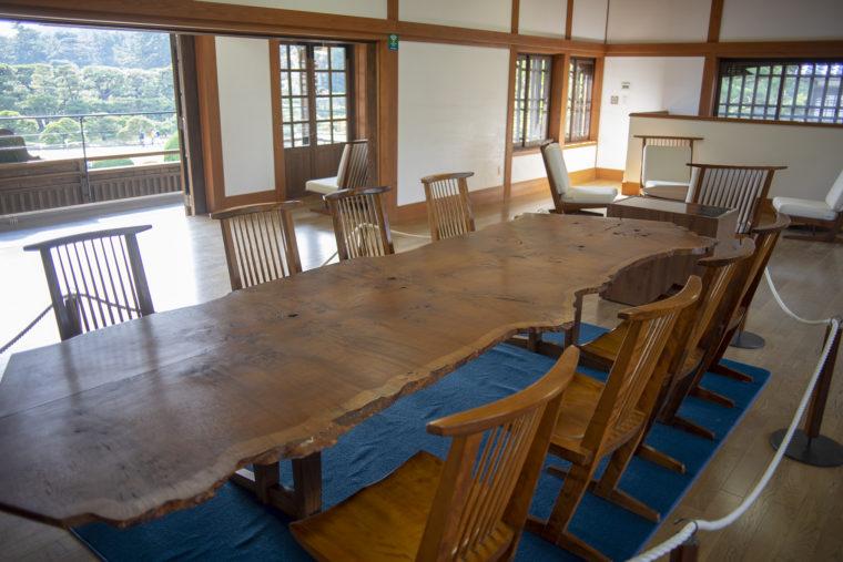 栗林公園にあるジョージナカシマの家具
