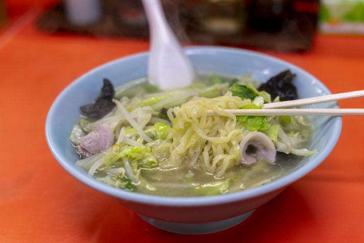 木蘭の野菜ラーメンリフトアップ