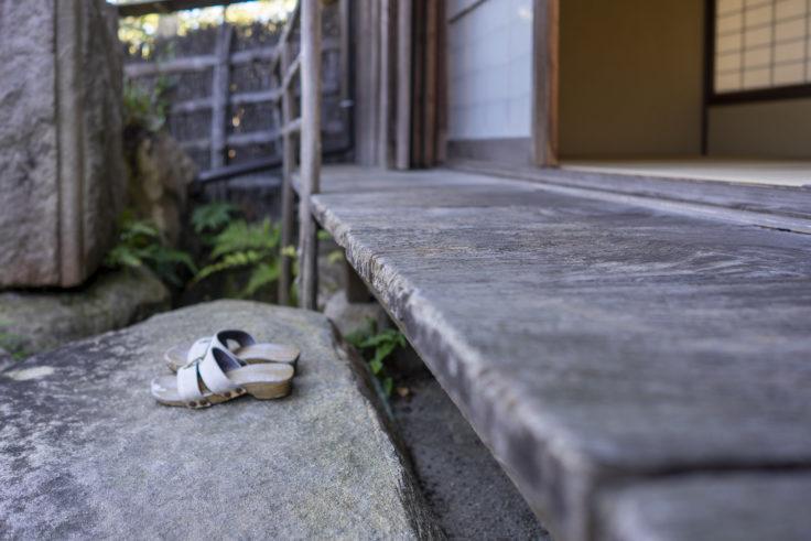 讃州井筒屋敷母屋のケヤキの板