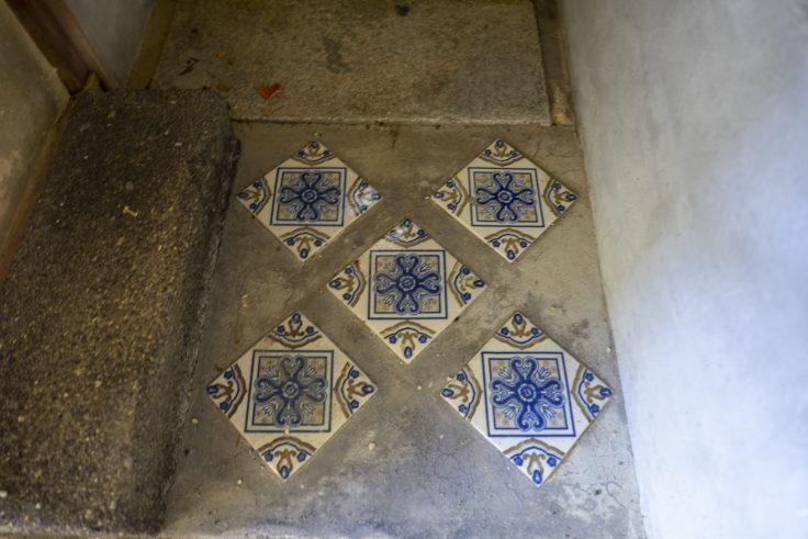 讃州井筒屋敷母屋トイレのタイル