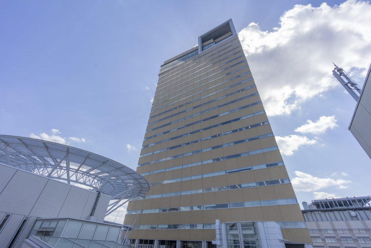 マリタイムプラザ8階展望台から見たシンボルタワー