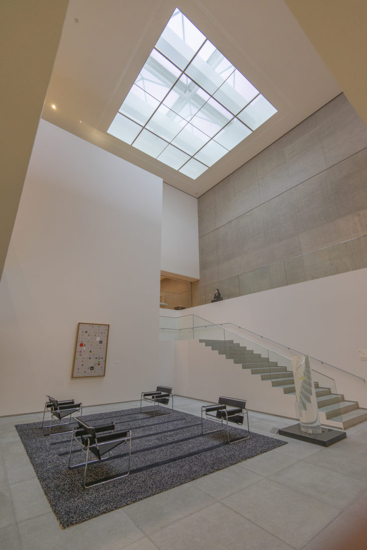 猪熊弦一郎現代美術館内部