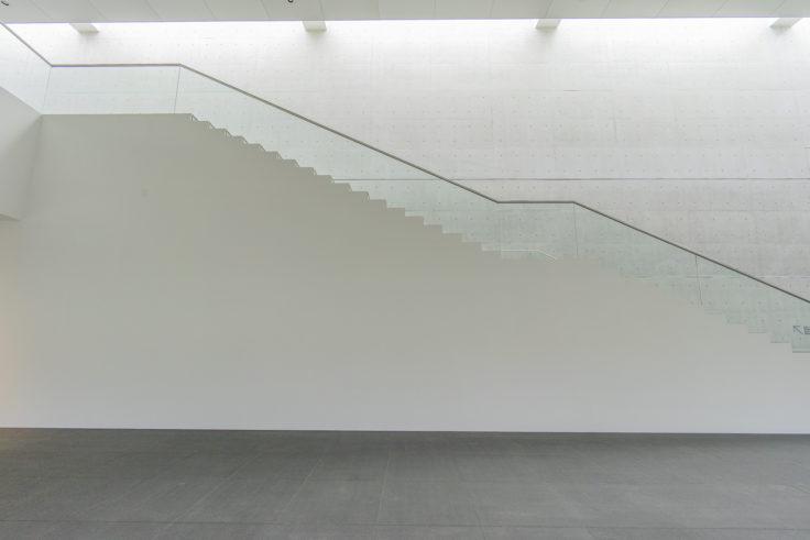 猪熊弦一郎現代美術館3階への階段