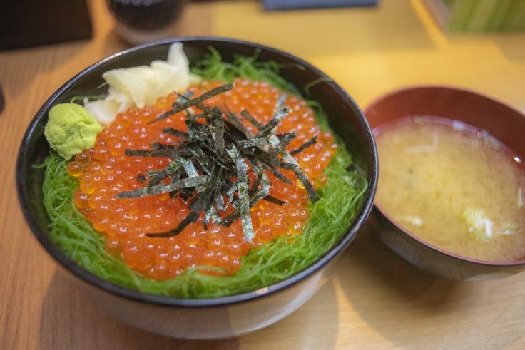 ポセイ丼のイクラ丼