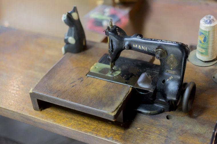 手袋のミシン
