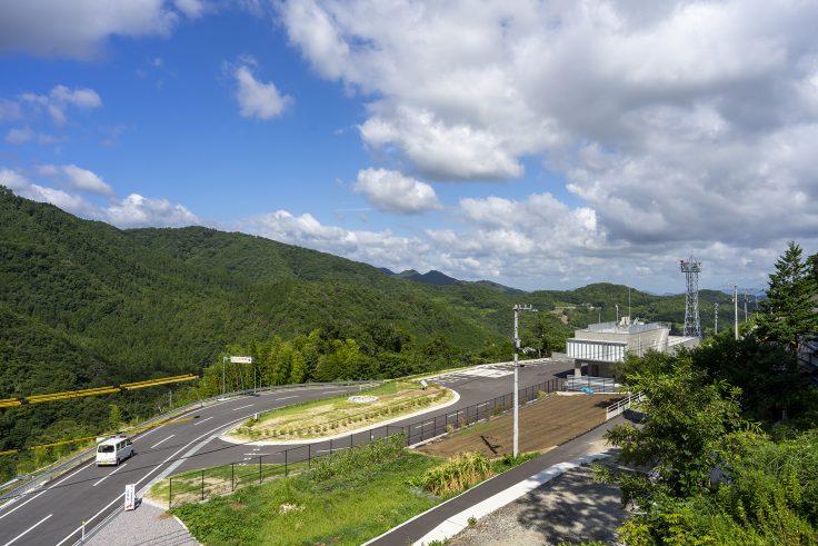 椛川ダム展望広場から山頂広場へ7