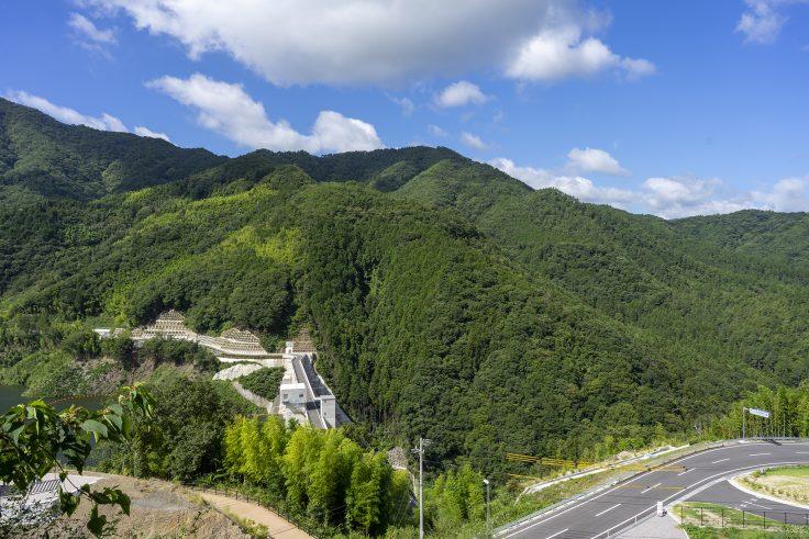 椛川ダム展望広場から山頂広場へ8