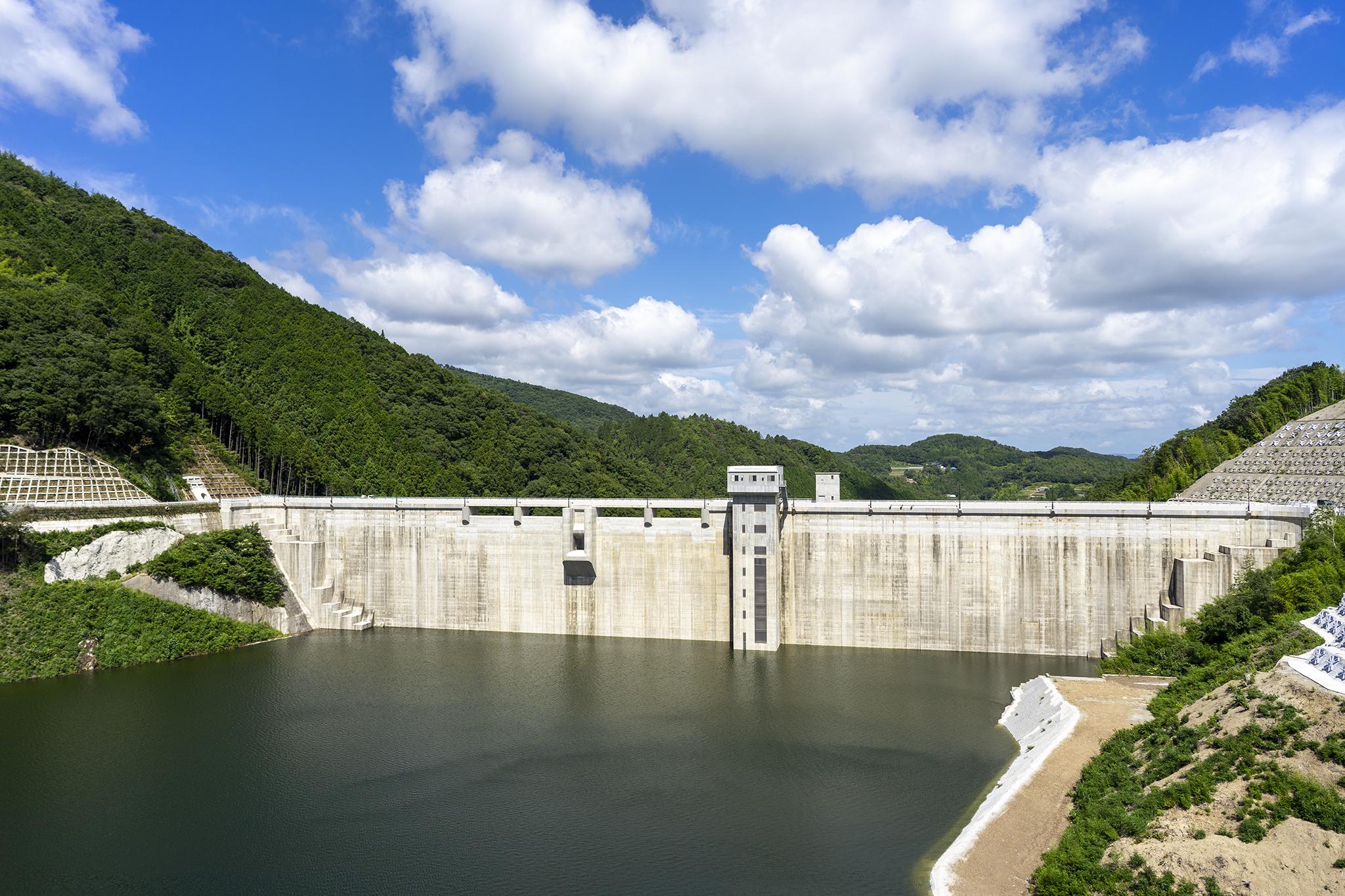 香川県最大のダム「椛川ダム」で避暑
