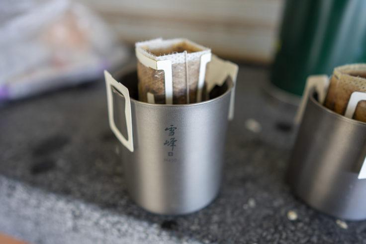 アルポットでお湯を沸かしてコーヒーを淹れる