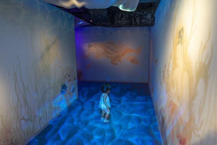 四国水族館竜宮の景「海への誘い」