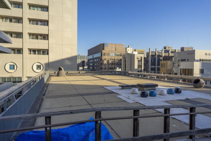 香川県庁舎東館屋上庭園入り口