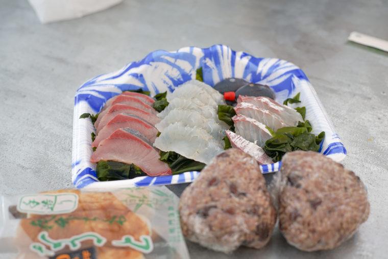 北灘漁協組合で刺身とちくわを購入