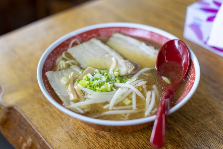 赤松食堂のチャーシュー麺