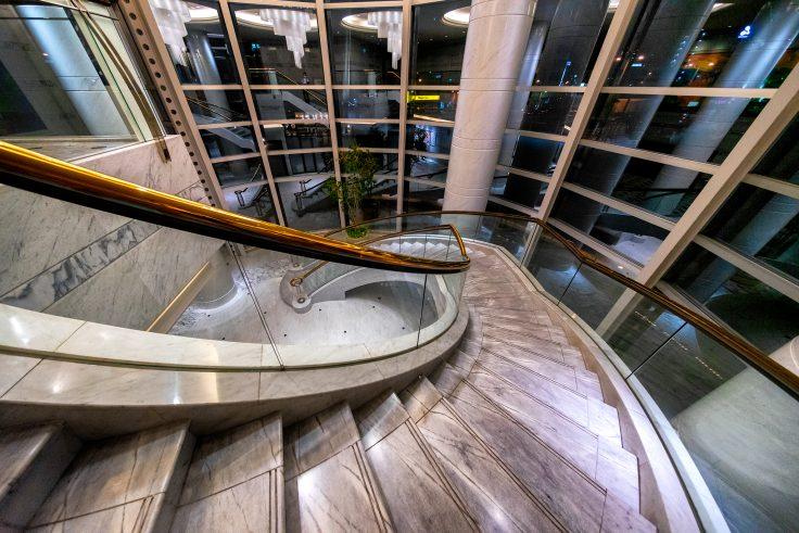 JRクレメントホテル高松の階段