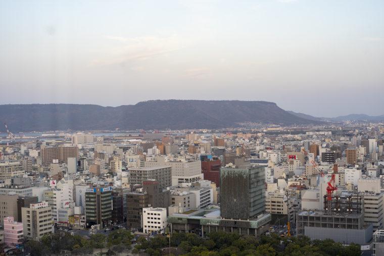 香川県庁21階展望室からの屋島2