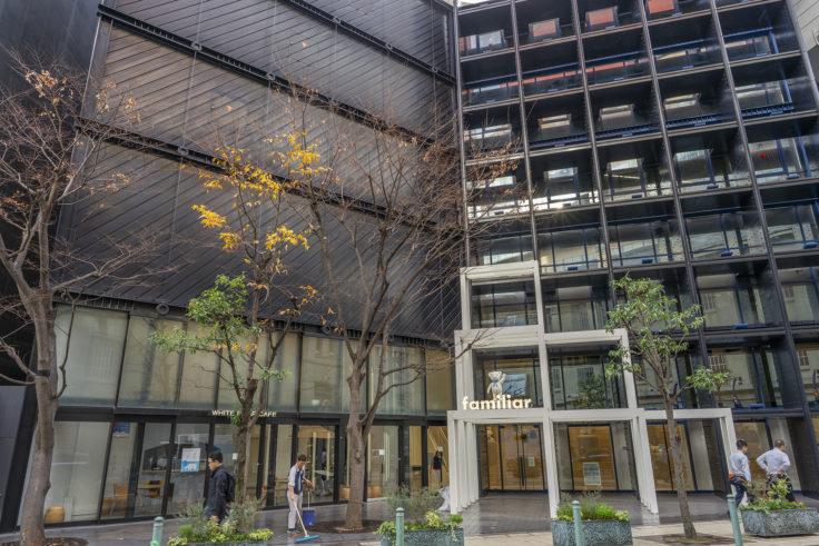 神戸旧居留地ファミリア神戸本店
