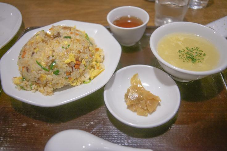中華料理くれたけのやきめし・ザーサイ・スープ