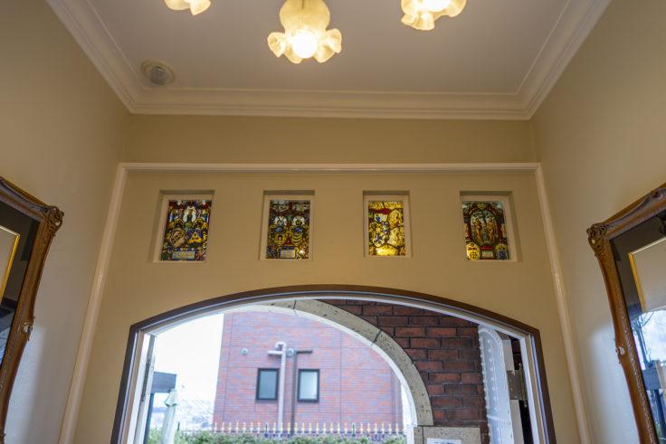 山手八番館ステンドグラス