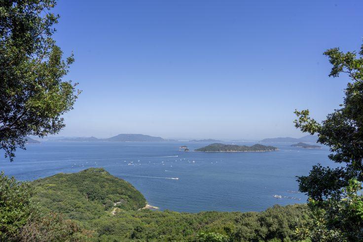 長崎屋島北嶺線登山道から見える瀬戸内海2