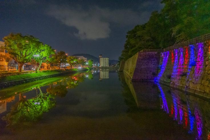 丸亀城夜の堀