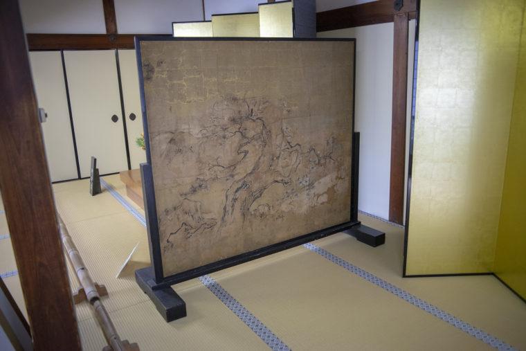 仁和寺御殿入り口の屏風2
