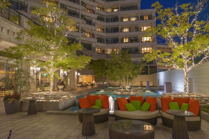 ホテル ラ・スイート神戸ハーバーランド外のソファー
