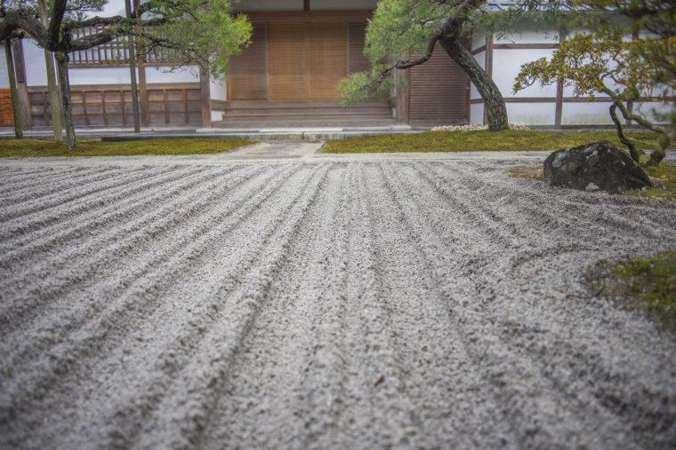 銀閣寺主因所前の砂