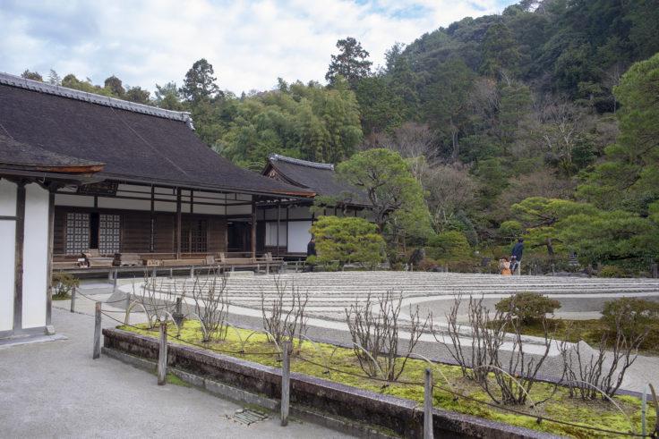銀閣寺方丈と銀砂灘