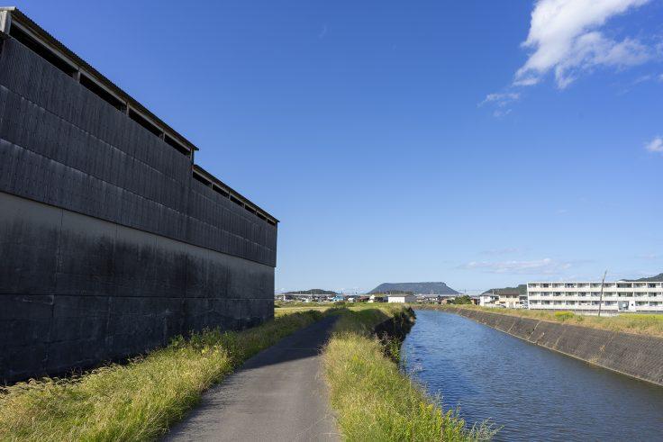 小村町吉田川と屋島