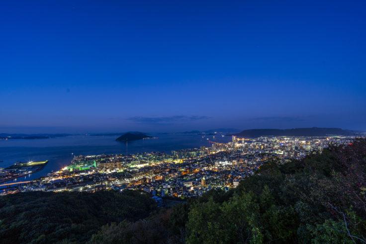 峰山公園展望台から見た高松の夜景