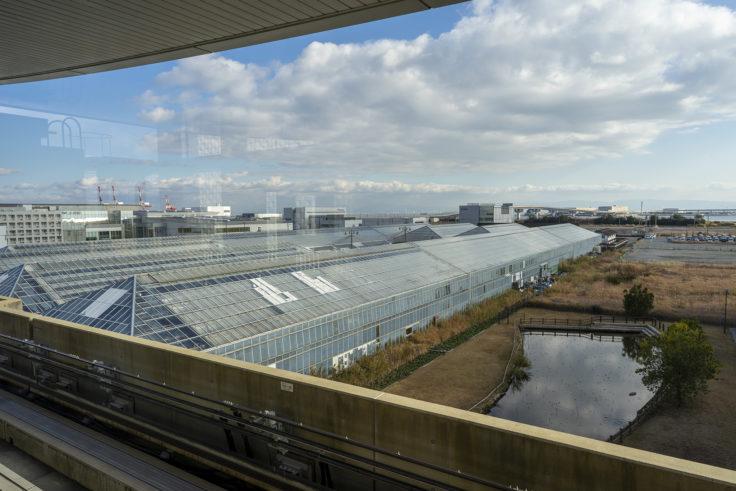 京コンピュータ前駅から見た神戸どうぶつ王国