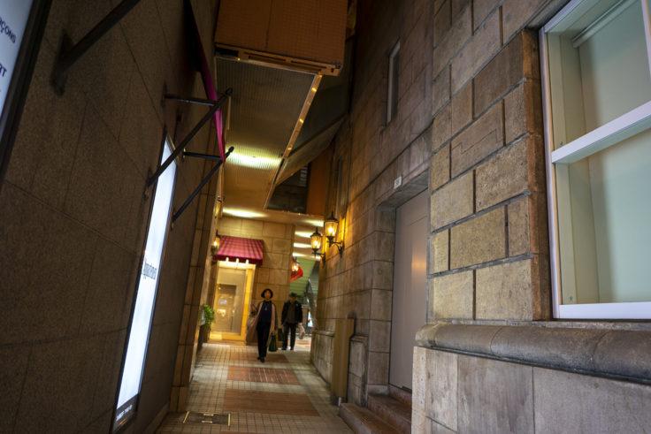 神戸旧居留地38番館の通路