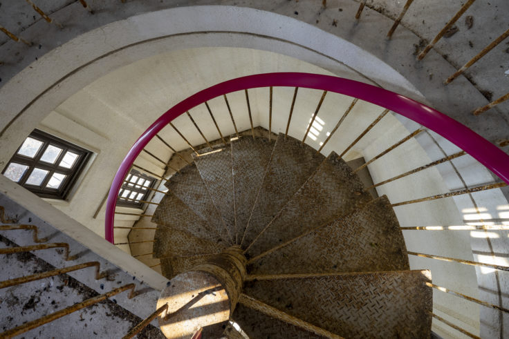 ばんどうの鐘らせん階段を上る